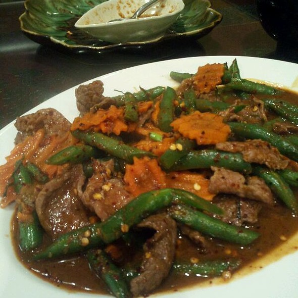 Spicy Green Bean Stir-fry With Beef at Tum Nak Thai