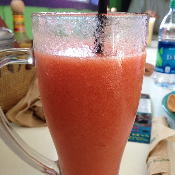 Strawberry And Peach Smoothie @ Midway Cafe