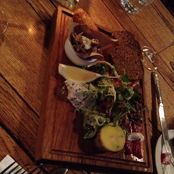 Fish Plate For Two @ The Bull & Last