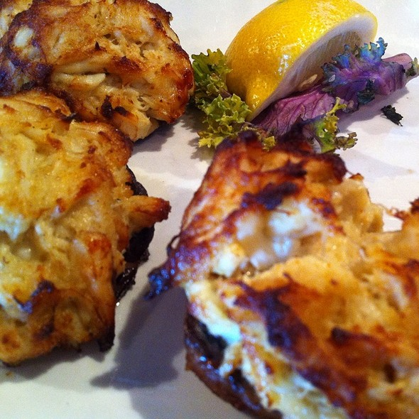 Stuffed Mushrooms With Crabmeat - Stoney's Kingfishers, Solomons, MD