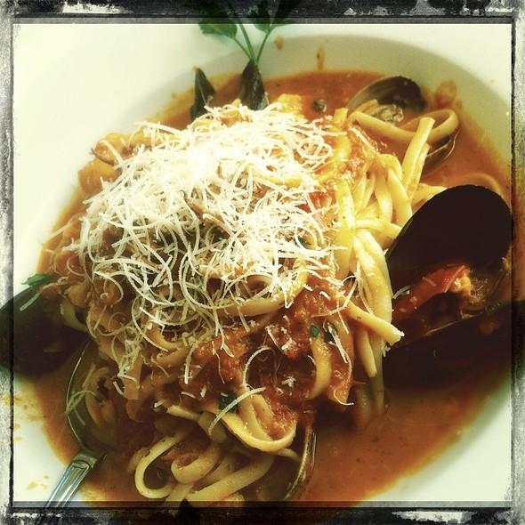 Linguine Al Frutti Di Mare @ Buon Appetito Restaurant