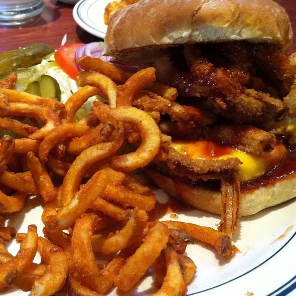 San Francisco Burger @ Brent's Delicatessen & Restaurant