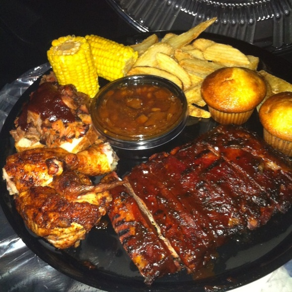 Feast For Two @ Famous Daves Bbq