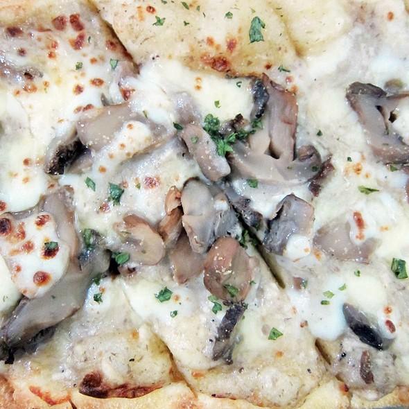 Cheesy Mushroom Flatbread
