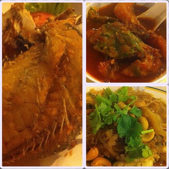 Dinner Dishes @ บางบัวปทุม สวนอาหาร
