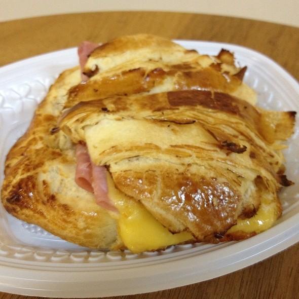 Ham and Cheese croissant @ Rio de Janeiro International Airport