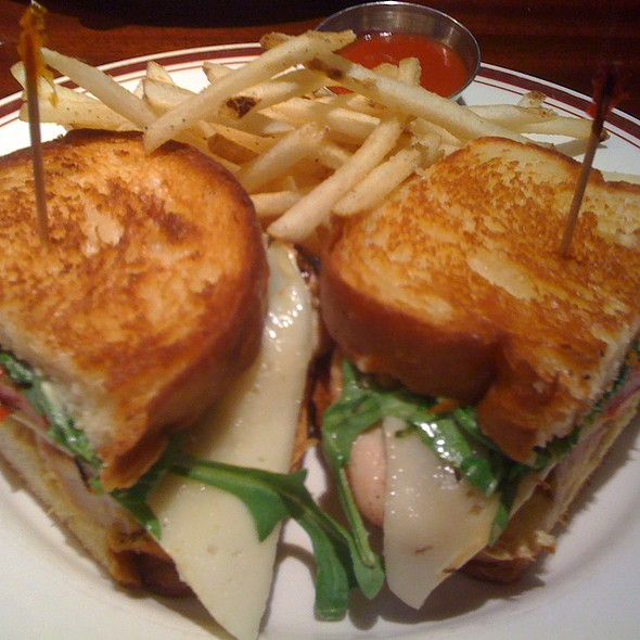 Grilled Chicken Havarti Cheese Sandwich @ Mike's American Bar&Grill