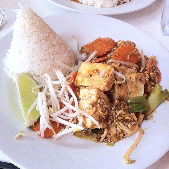 Samui Pad Thai With Tofu @ Spice