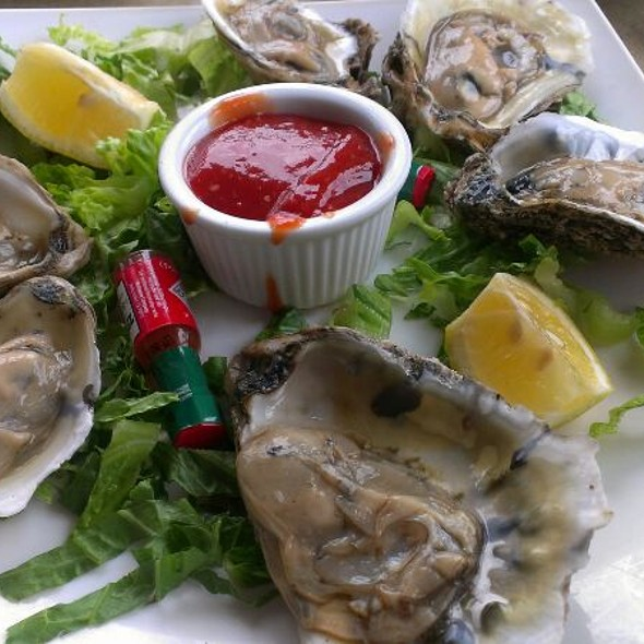 Oysters @ McLoone's Pier House