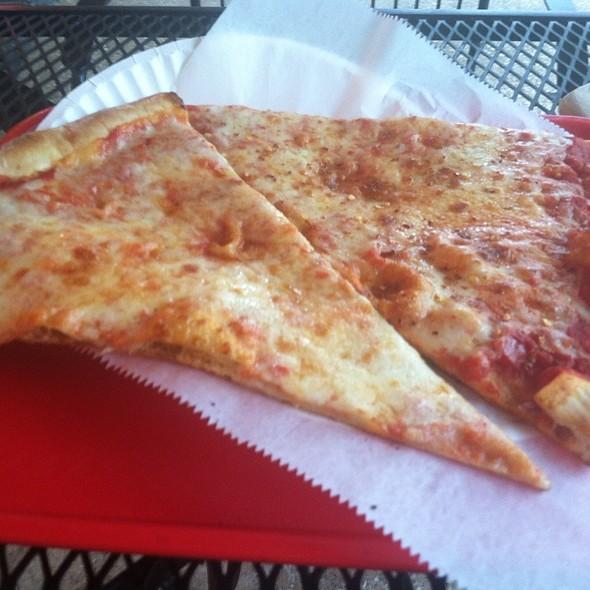 NY Style Pizza @ Eddie & Sam's Ny Pizza