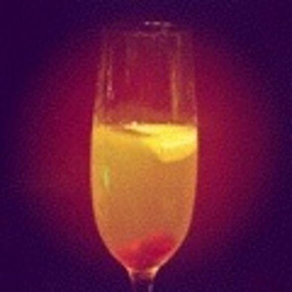 French 75 Cocktail @ Bar Mut