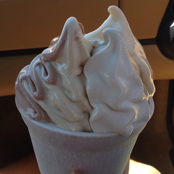 Frozen Yogurt @ Golden Spoon