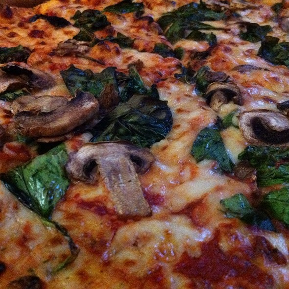 Spinach And Mushroom Pizza