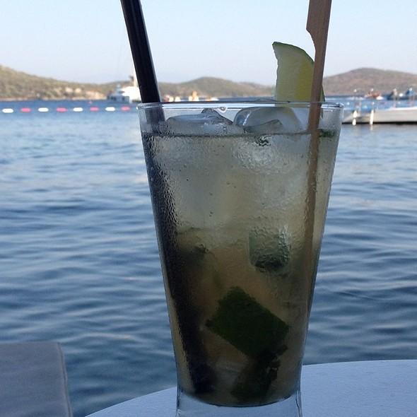 Mint Mojito @ Doria Beach