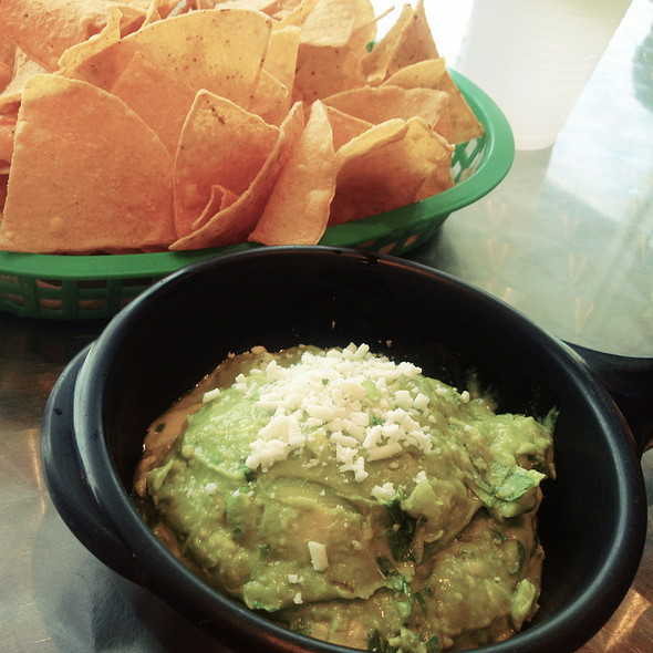 Guacamole and Chips @ Torchy's Tacos