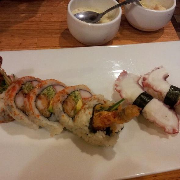 Shrimp tempura roll @ Yuraku Japanese Restaurant