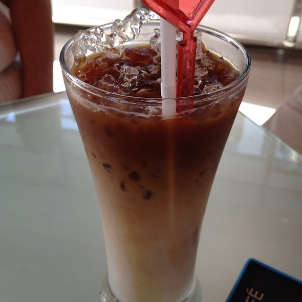 Decaffeinated Iced Latte