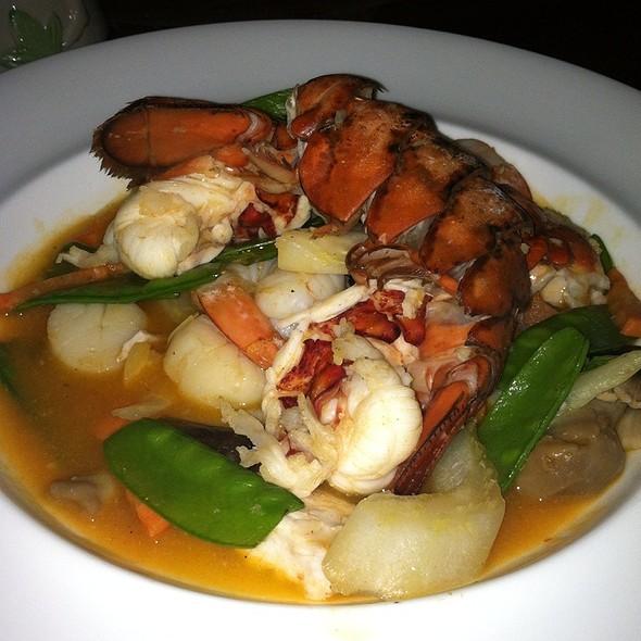 Wok stir fried seafood - Trader Vic's, Atlanta, GA
