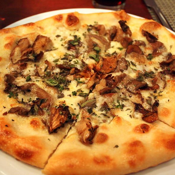 Wild Mushroom Pizza at Chef Geoff's