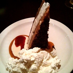 Chocolate Cheese Cake with Ice Cream