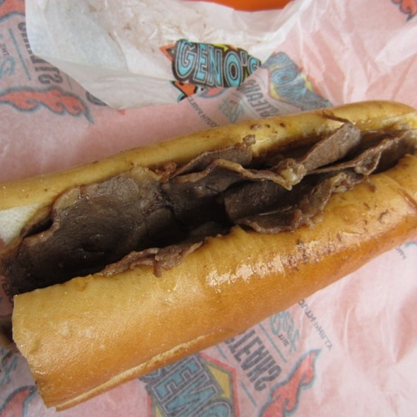 Cheesesteak @ Geno's Steaks