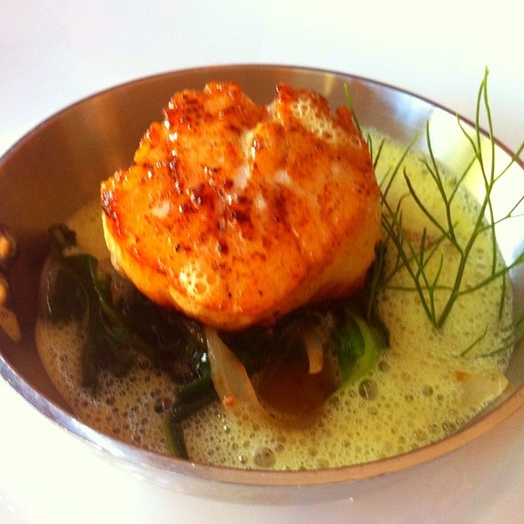 Scallops With Spinach And Verjus @ Sante Restaurant & Charcuterie