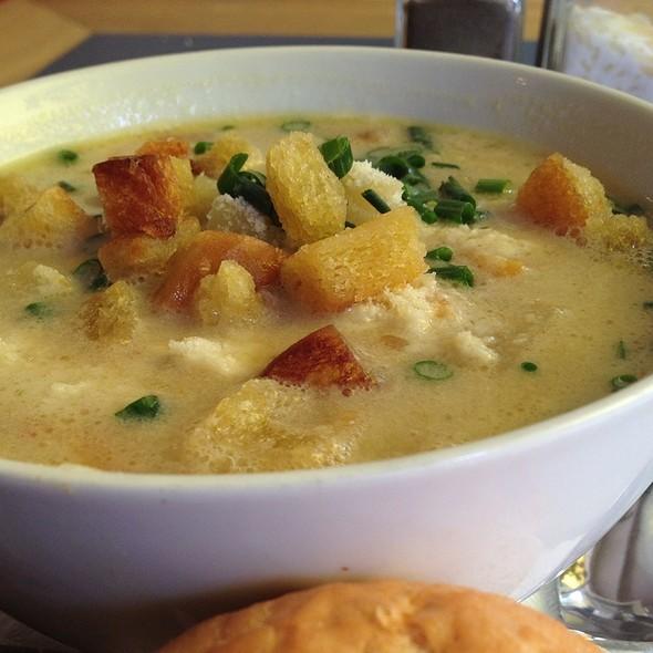 Allgäuer Kartoffelsuppe @ Suppen-Cult Suppenküche