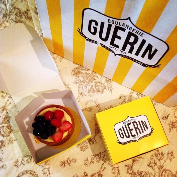 Tartelettes De Frutas Vermelhas @ Boulangerie Guerin