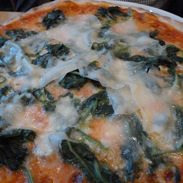 Pizza with Spinach and Parmesan @ La Ruchetta