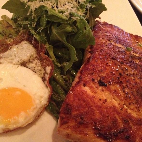 Roasted Asparagus Salad With Salmon @ Abby Park