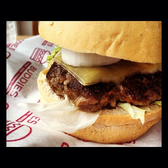 Buddy Burger @ BUDDIES