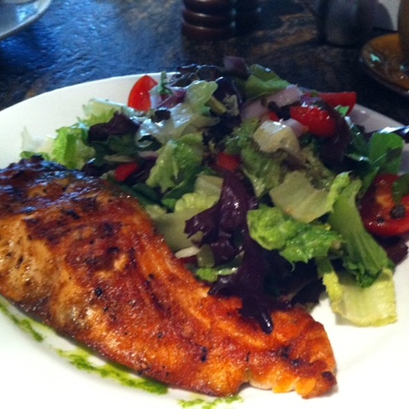 Tanzy Salad With Grilled Salmon @ Tanzy