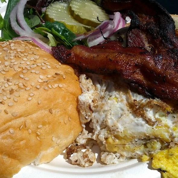 Farm House Burger