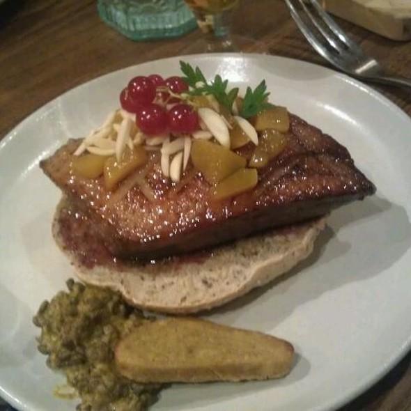Magret De Canard Pêches Miel @ Auberge du Tranchoir