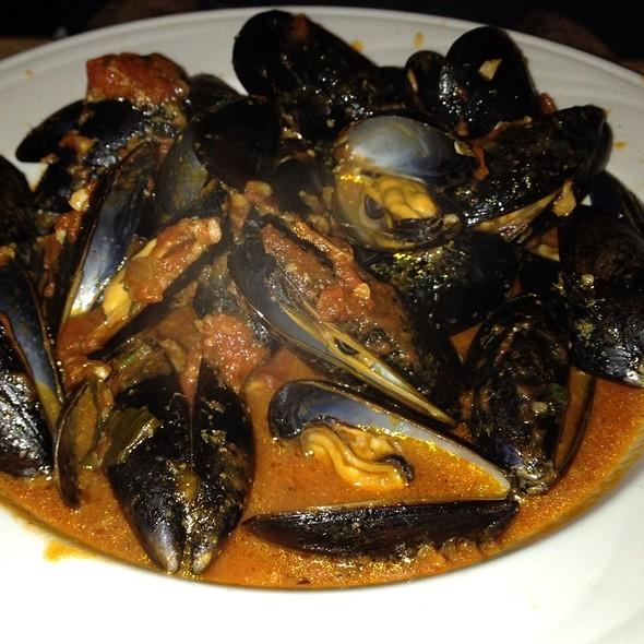 Mussels Red - Ralph's Italian Restaurant, Philadelphia, PA