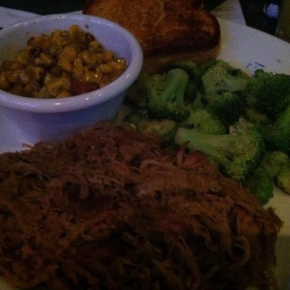 Pulled Pork @ Smokey Bones BBQ & Grill