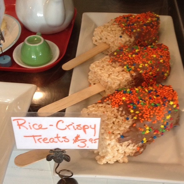 Rice Krispy Treat Ice Cream @ Crumsby's Cupcake Cafe