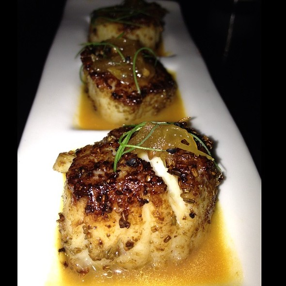 Kangura Diver Scallop, Aniseed-Scented, South Indian Moille Sauce, Green Pepper Jam @ Tashan