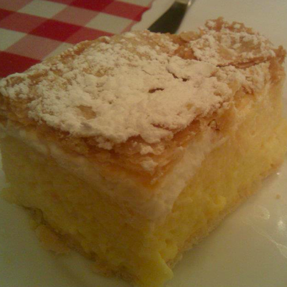Crememish (Hungarian layered Cream dessert)