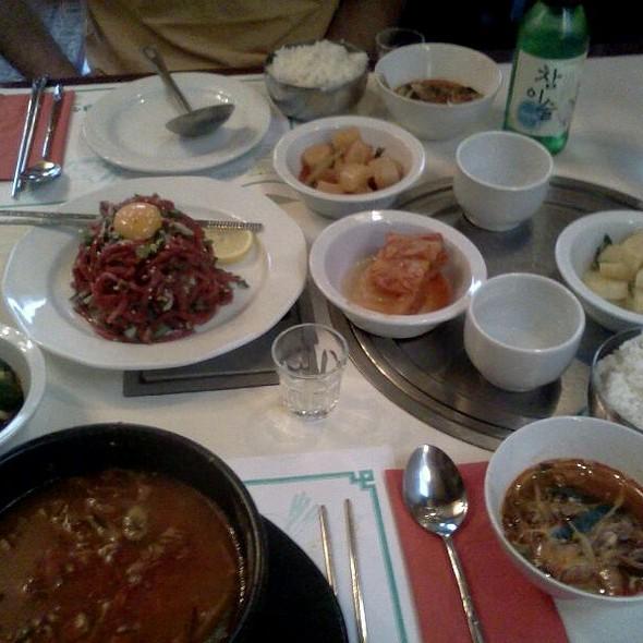 Spicy Korean Beef Soup @ Seoul House Koreai Etterem
