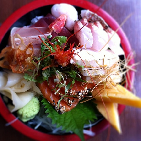 Chirashi Sushi @ Yuzu Sushi and Sake Bar