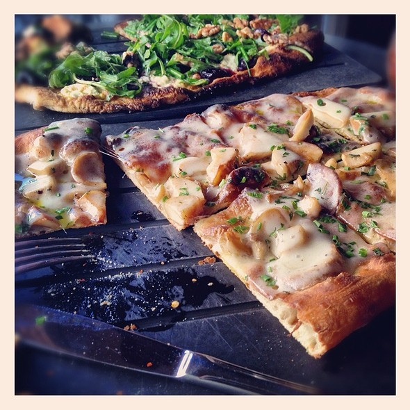 Roasted Mushroom, Truffle Cheese Pizza