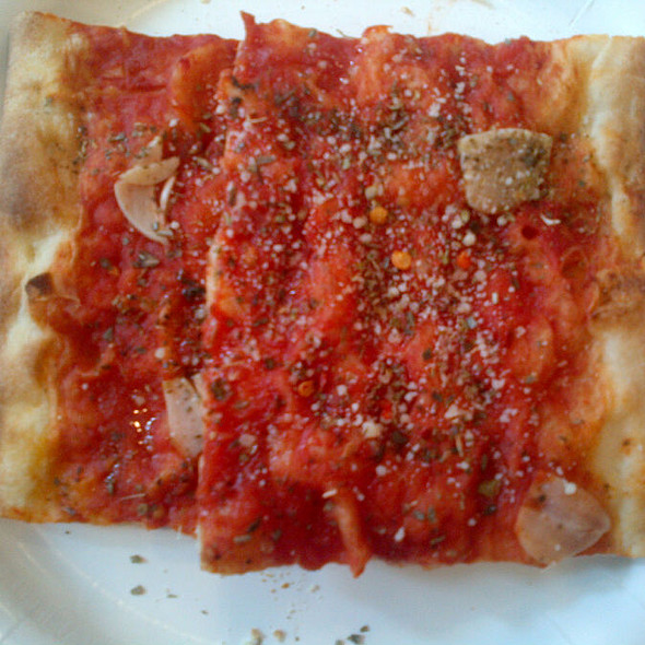 Tomato and Garlic Pizza @ farinella bakery