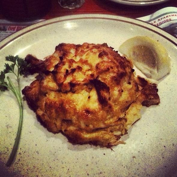 Crabcakes @ G & M Restaurant & Lounge