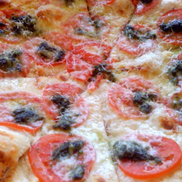 Pizza Margherita @ Sazza