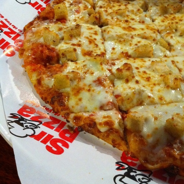 Chicken Garlic Pizza @ Sir Pizza Of Pinecrest