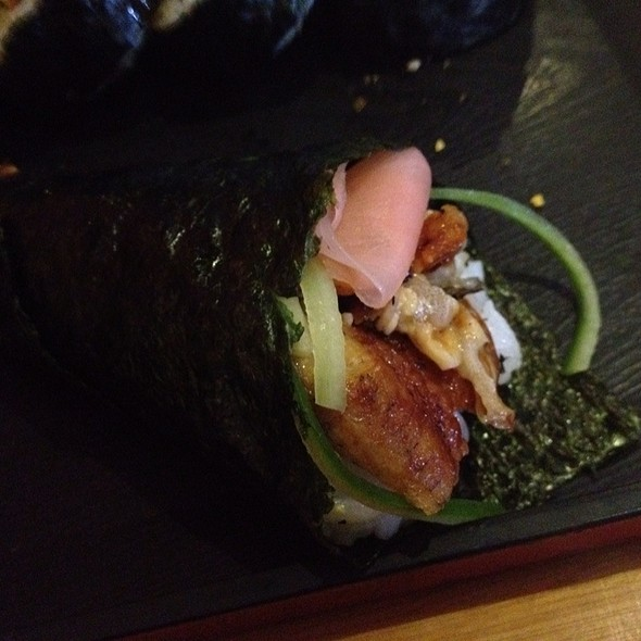 Unagi And Ginger Handroll