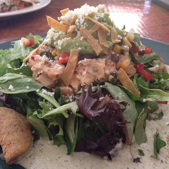 Interior Mexican Grilled Chicken Salad @ Corazon at Castle Hill