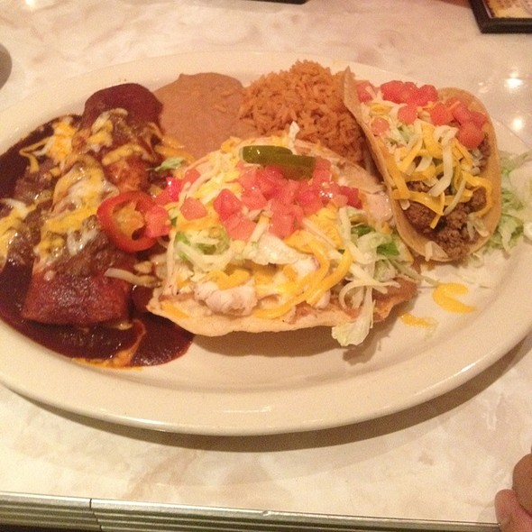 Enchilada, Taco, And Chalupa With Mexican Rice & Refried Beans @ Chuys Opry Mills Nashville
