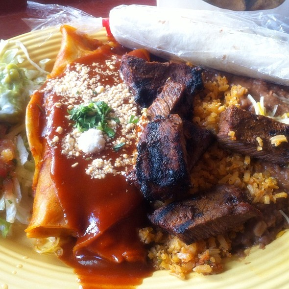 Carne Asada Plate With Cheese Enchiladas